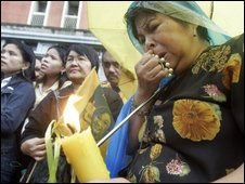 Mourners in Manila - 5 August 2009