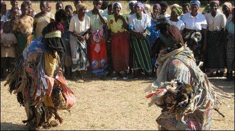 Malawi dancers