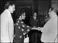 Richard Burton and Elizabeth Taylor meet Tito