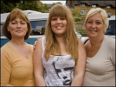 Debbie Barton (l), Samm Barton and friend Pauline