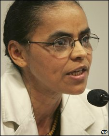 Marina Silva addresses the media on 19 August 2009