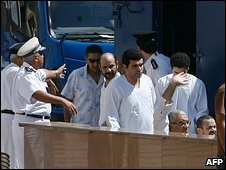 Suspects accused of planning attacks in Egypt for Hezbollah attend court in Cairo (23 August 2009)