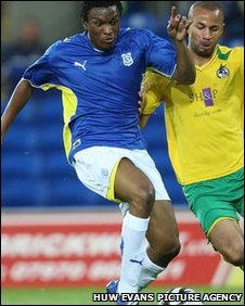 Loan signing Kelvin Etuhu impressed on his Cardiff City debut