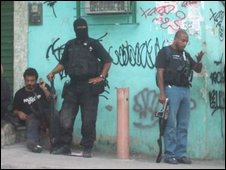 Police in Complexo do Alemao durihng an operation in 2007