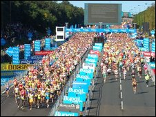 Runners starting Great North Run 2008