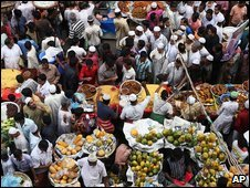 People in a market in Dhaka, Bangladesh