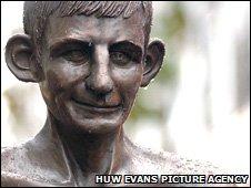 Statue of Johnny Owen in Merthyr Tydfil