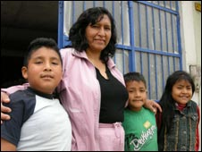 Amanda Solis and her children