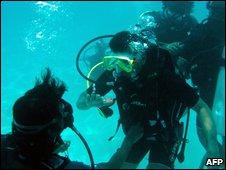 Maldives cabinet ministers training off Girifushi Island