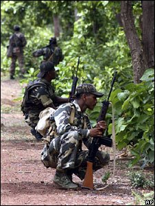 Troops hunting for Maoist rebels