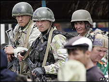 Uzbek troops (21 May 05)