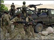 Yemeni soldiers (file pic)
