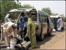 Vehicles crossing from Nigeria into Niger (Archive Photo: 2006)