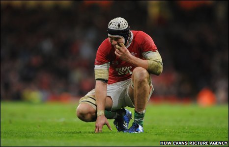Ryan Jones is dejected after Wales lose again to the All Blacks