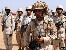 Saudi troops near the Yemeni border (8 November 2009)