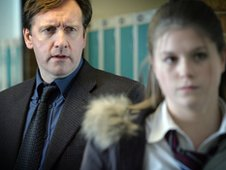 Neil Dudgeon as Brian and Jessica Baglow as Jenna in The Street