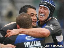Daniel Browne is congratulated after scoring Bath's second try