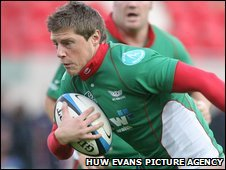 Rhys Priestland was one of the Scarlets try scorers