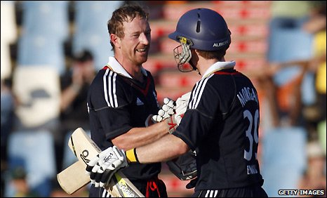 Paul Collingwood and Eoin Morgan