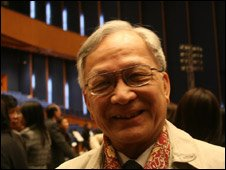 Bui Kien Thanh at overseas Vietnamese conference 21 Nov 09