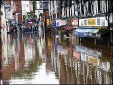 Flooding in Droitwich - July 2007.