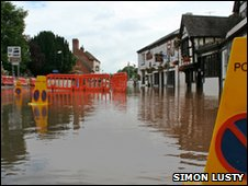 Floods in Upton-upon-Severn - July 2007.