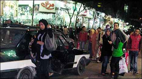 Egyptian shoppers in Cairo