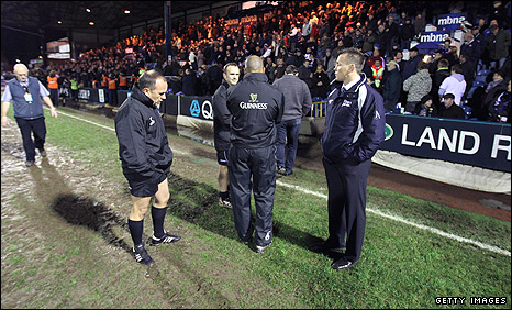 Sale rugby director Kingsley Jones (right)