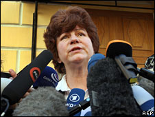 Karinna Moskalenko speaks to the press outside a court in Moscow, February 2009