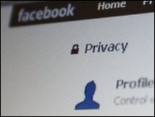 Facebook privacy page, AP
