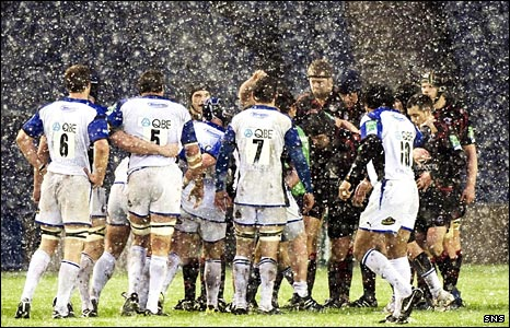 Edinburgh and Bath struggle against heavy snow at Murrayfield