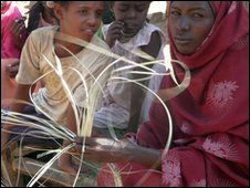 Eritrean Halima Saleh weaving