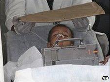 Boy arrives at Salvador hospital 17.12.09