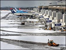 Planes in icy weather