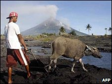 Mayon with man and buffalo 18 Dec 09