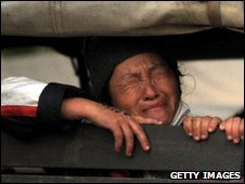 An ethnic Hmong is removed to Laos (28 Dec 2009)