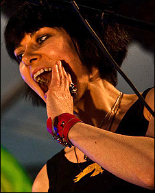 Karen, lead singer in The Neutrinos