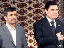 Iranian President Mahmoud Ahmadinejad (L) and Turkmen President Kurbanguly Berdymukhamedov in Ashgabad, Turkmenistan - 5 January 2009