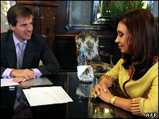 Martin Redrado and Cristina Fernandez de Kirchner. File photo