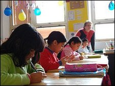 Roma children in a Czech school (picture courtesy of Amnesty International)