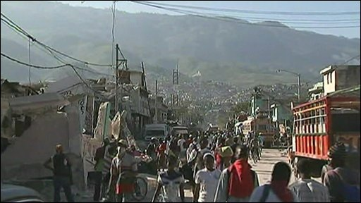 Haitians leaving Port-au-Prince