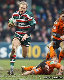 Scott Hamilton races over for a try at Welford Road on Saturday