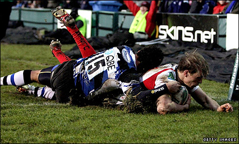 Trimble dives over for Ulster at the Rec