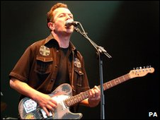 Joe Strummer and the Mescaleros, 2002