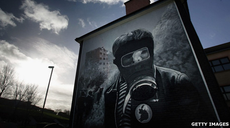 A Republican mural painted on a wall in Londonderry, Northern Ireland