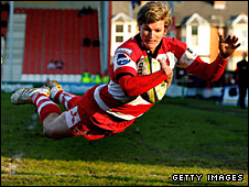Freddie Burns scores for Gloucester against Worcester in the LV= Cup