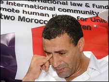 "Khalid Skah at a demonstration against the ""abduction"" of his children, Rabat, August 2009"