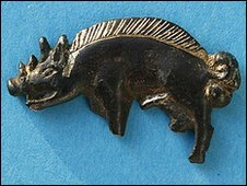 Boar badge found on the new Bosworth site