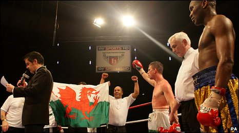 Buckland stays on the title trail with a unanimous points decision to inflict a first defeat on the tough Ugandan