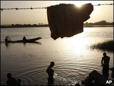 Boys wash in River Niger